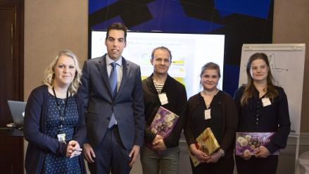 Från höger: Lena, Robert, Olle, Tove och Rebeca